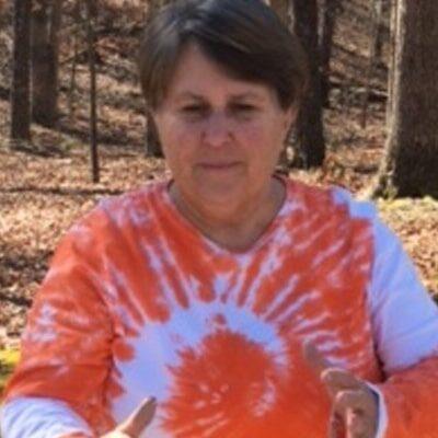 Chiropractic Clarkesville GA Cindy Dennis